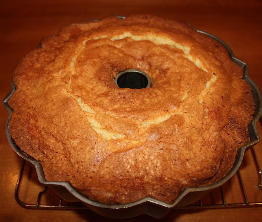 Apple Pound Cake - Desserts Required