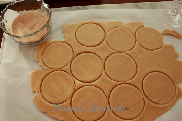 Cinnamon Shortbread Apple Pockets - Desserts Required