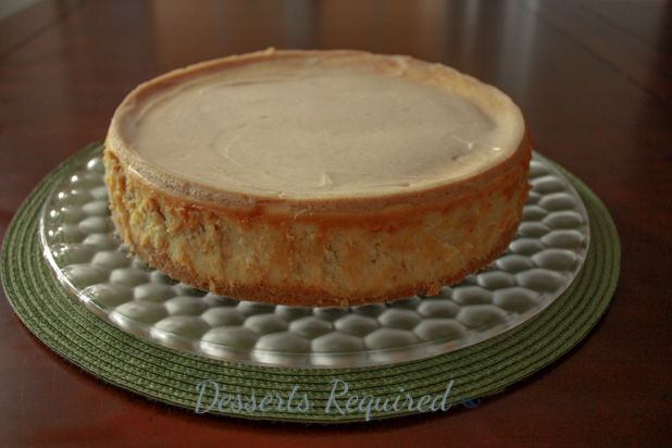 Apple Cheesecake with Cinnamon Shortbread Cookie Crust